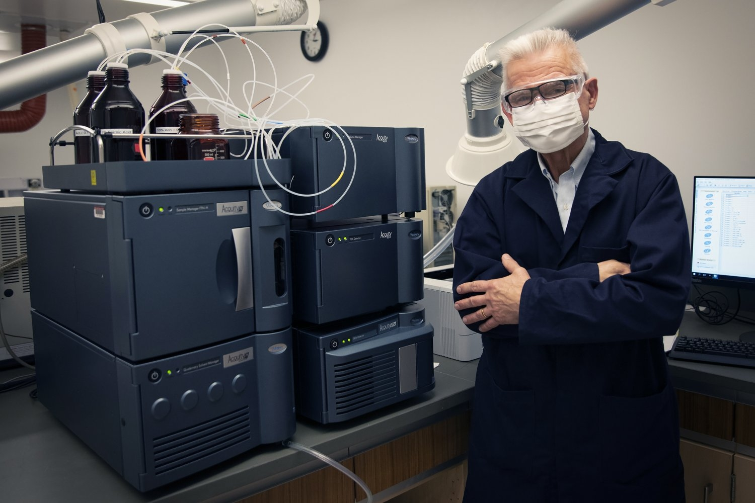 Donated instrument provides undergraduate chemistry students high-level research experience