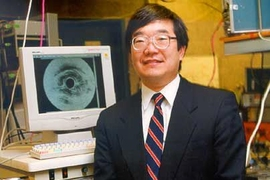 Professor James Fujimoto with a high-resolution, 3-D image generated using a new type of laser in combination with the Optical Coherence Tomography (OCT) system he developed in the early 1990s with Eric Swanson of MIT Lincoln Laboratory.