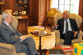 Prime Minister António Costa met with MIT President L. Rafael Reif in his office.