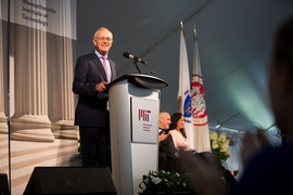 "President Reif reminded MIT freshmen, ""You belong here…If you have doubts about yourself, it is just a sign that you are learning!"""