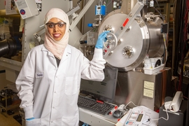 Ibn Khaldun fellow Thamraa Al-Shahrani has spent the past year working in MIT's Photovoltaics Research Laboratory to improve the stability of perovskite solar cells.