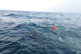 The team demonstrated the technique in several field experiments in which they deployed drifters and human-sized mannequins in various locations in the ocean. They found that over the course of a few hours, the objects migrated to the regions that the algorithm predicted would be strongly attracting, based on the present ocean conditions.