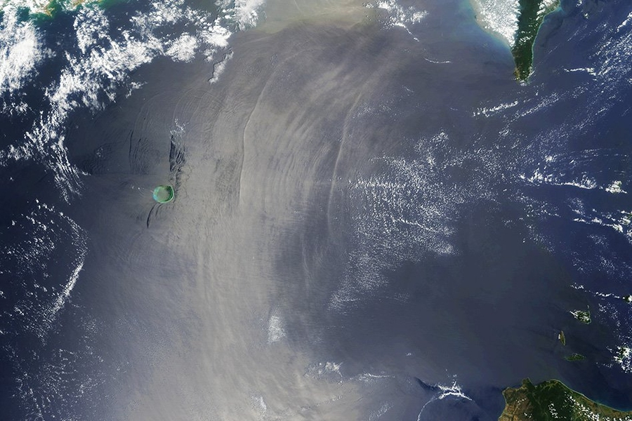 The Ocean S Hidden Waves Show Their Power Mit News Massachusetts Institute Of Technology