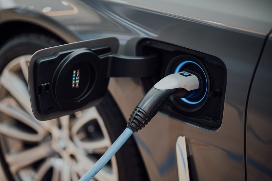 To boost emissions reductions from electric vehicles, know when to charge |  MIT News | Massachusetts Institute of Technology